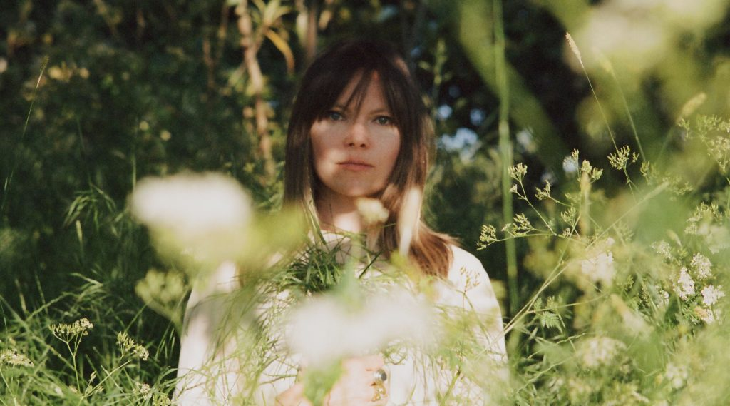 "Liela Moss shares ""Memories and Faces"" video"