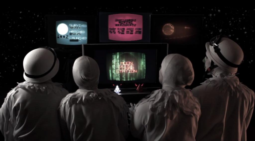Watch: Landshapes – Moongee